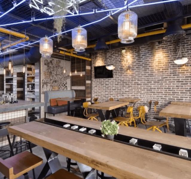 restaurante ejemplo de las características del estilo industrial